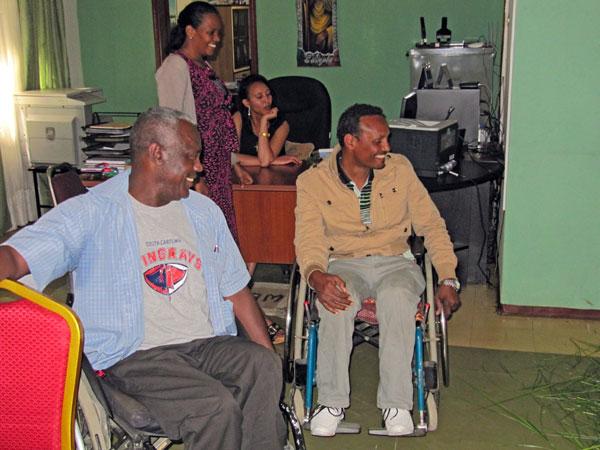 kuvassa ihmisia DDIn toimistolla