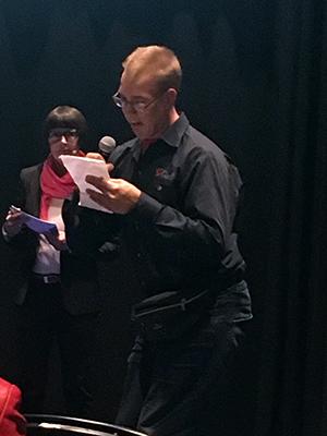 Turun paneelikeskustelussa kuva-artesaaniksi valmistunut Tuomas Saloma kertoi haasteistaan työllistyä